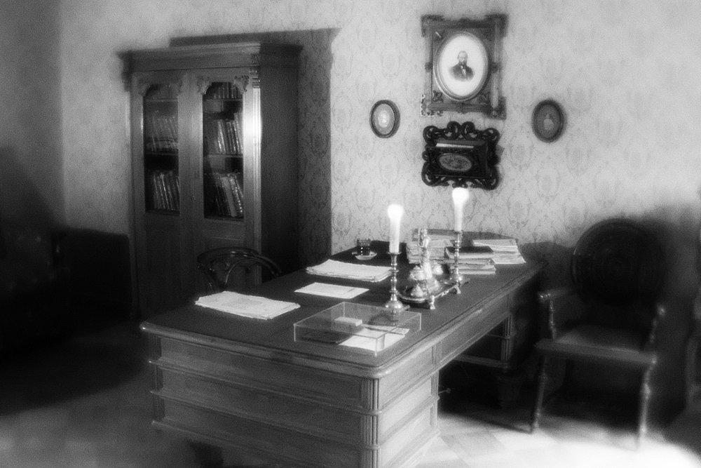monoclemania-fyodor-dostoevsky-museum-3.jpg