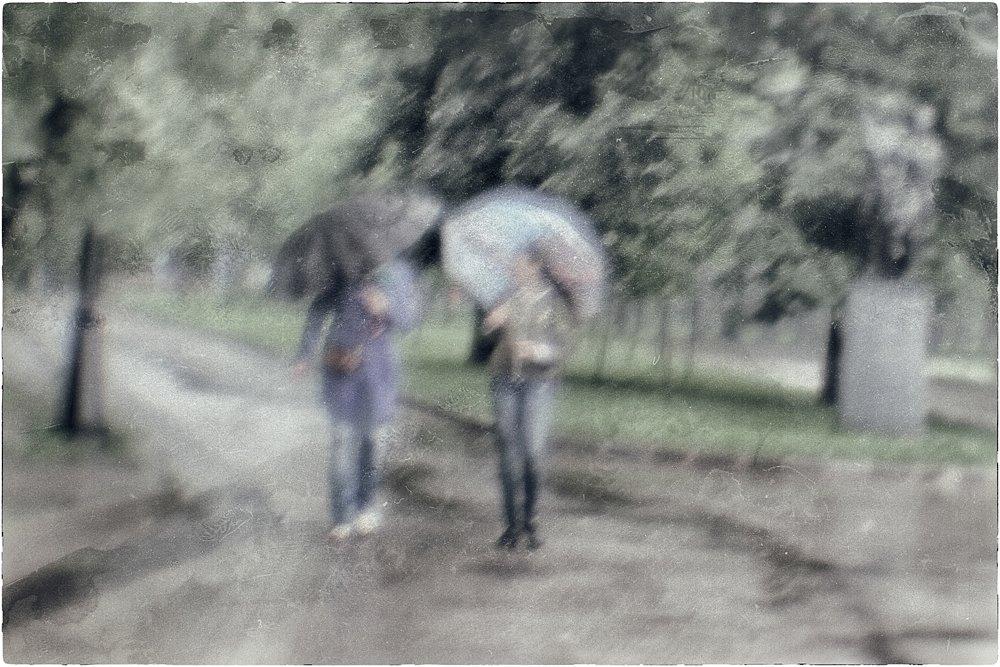 monoclemania-rain-5.jpg