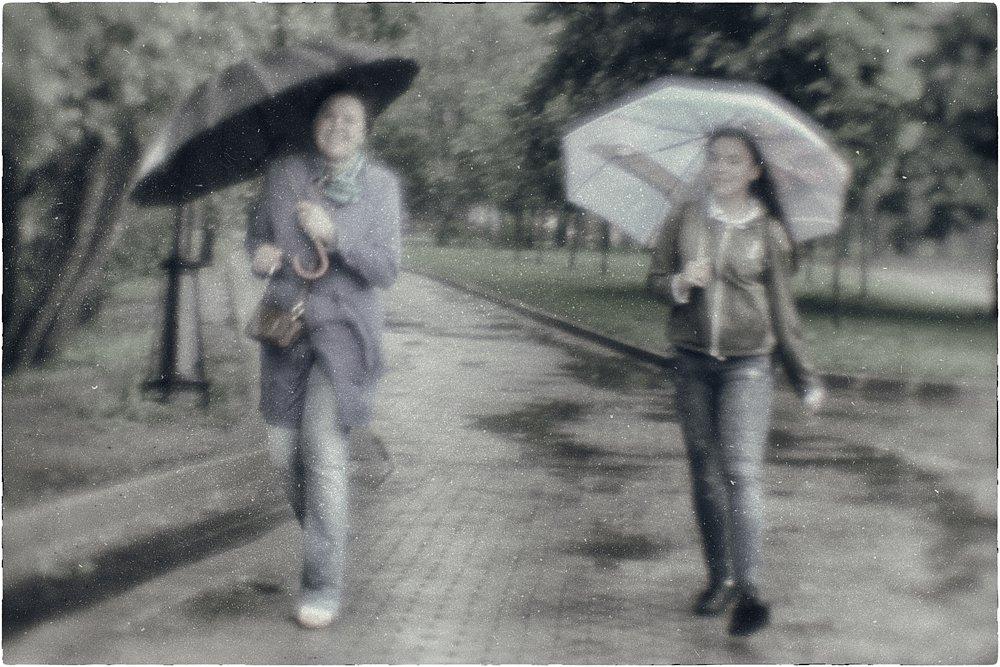 monoclemania-rain-6.jpg